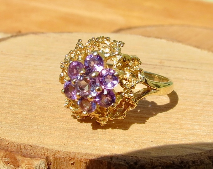 Gold amethyst ring. A 9k yellow gold amethyst cluster ring
