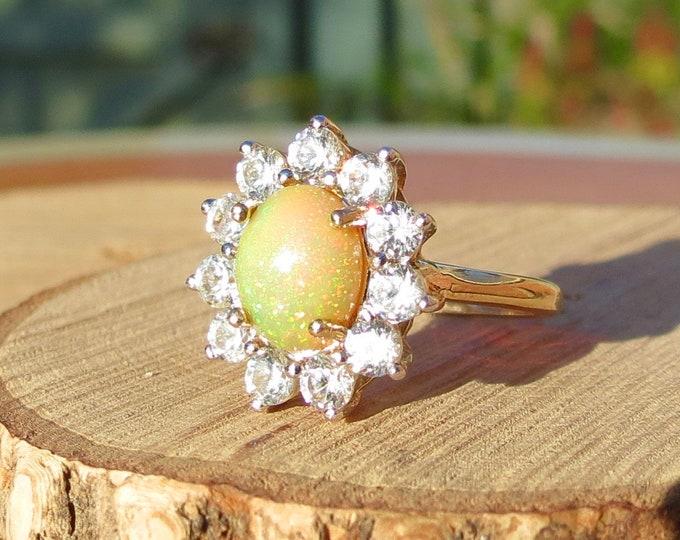 Gold sunstone ring. Vintage 9K yellow gold cubic zirconia sunstone daisy ring.