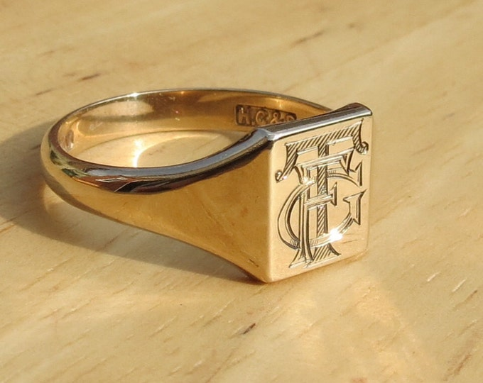 Gold signet ring. Monogram, 9K yellow gold, vintage Date 1945