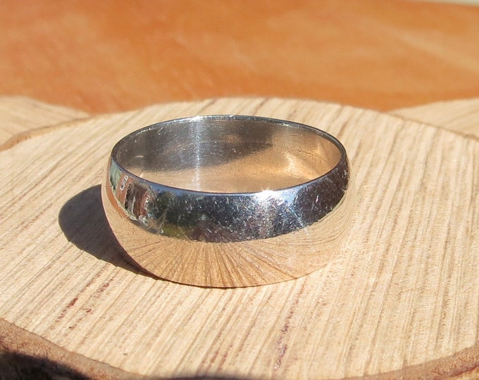 Wide silver ring, band . Vintage sterling silver. 1970's Full British hallmarks