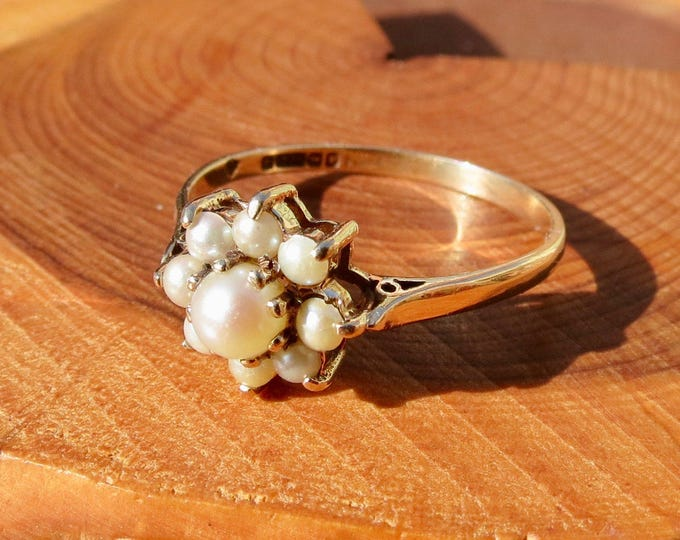 Vintage 9k yellow gold, cultured pearl daisy ring