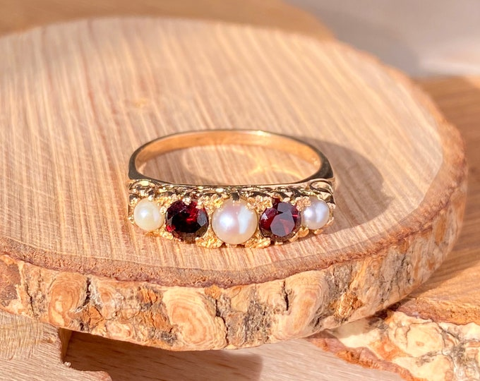 Gold pearl ring. Vintage ornate 9K yellow gold red garnet and pearl ring.