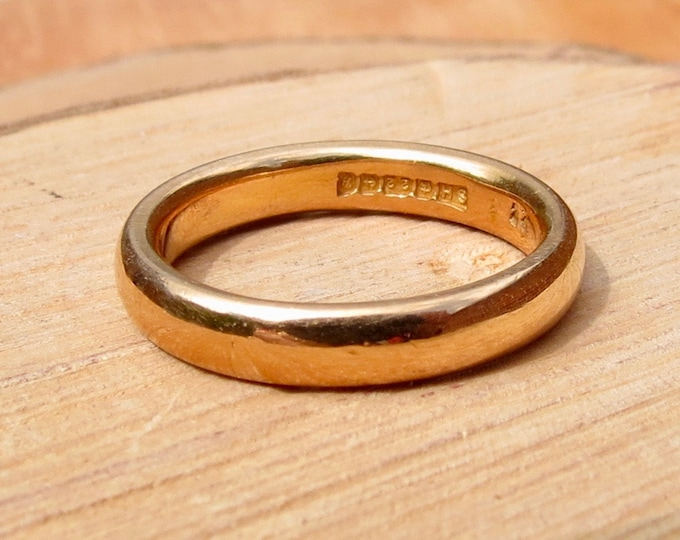 Vintage 22K yellow gold full court band made in 1964. (free resizing)
