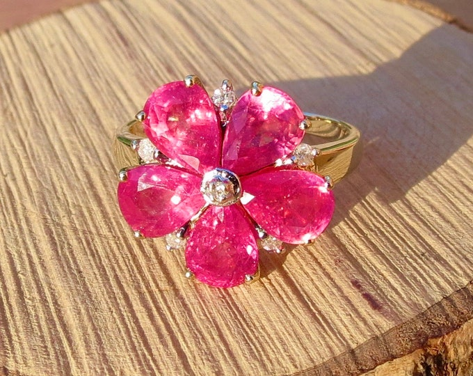 Gold diamond ring. 9k yellow gold pink corundum and diamond cluster floral ring.