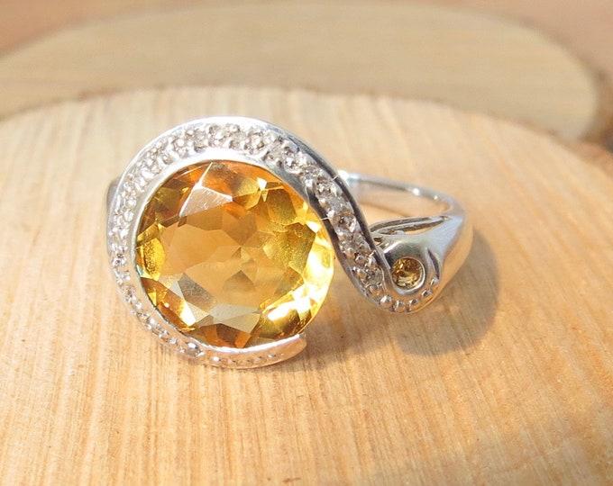 Vintage 9K white gold 2.8 carat yellow citrine and diamond ring