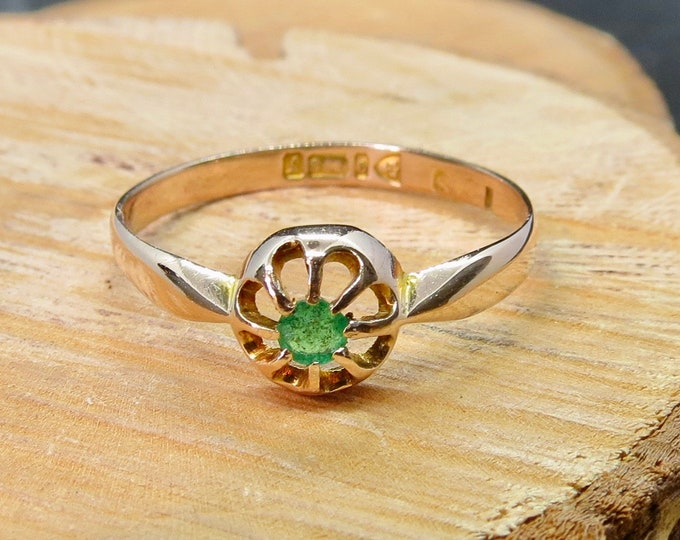 Antique 9K rose gold emerald ring, made in 1919