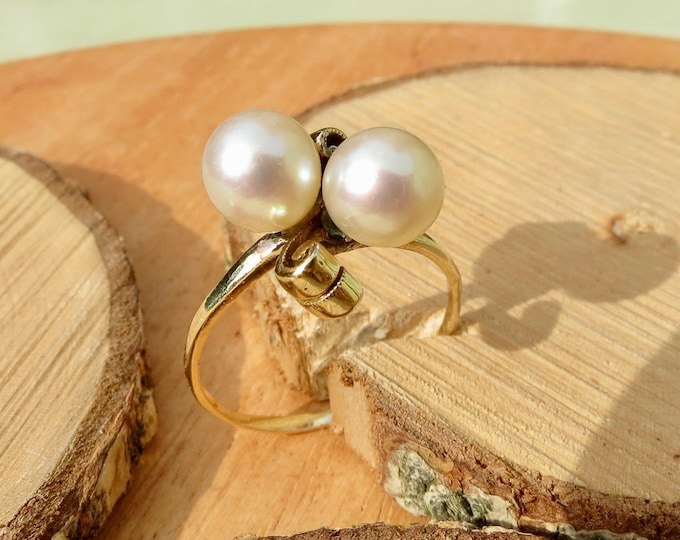 Vintage 9k yellow gold, cultured twin pearl ring