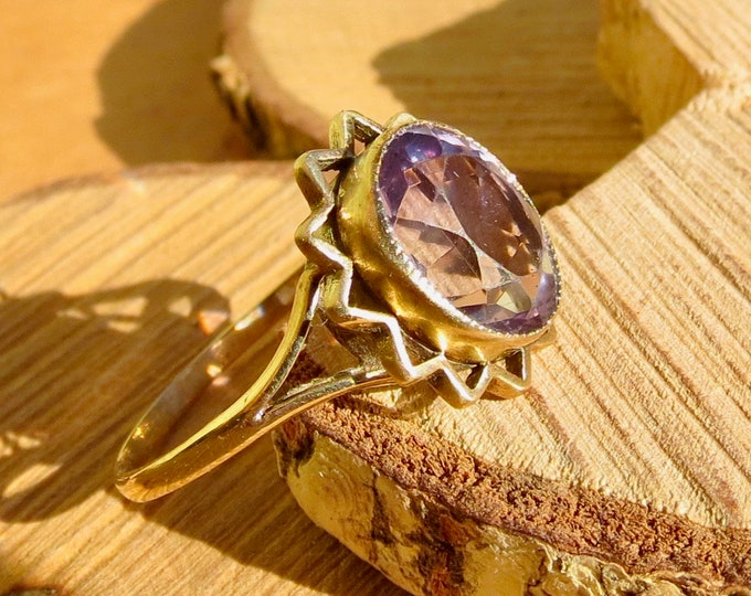 Vintage 9k yellow gold amethyst ring