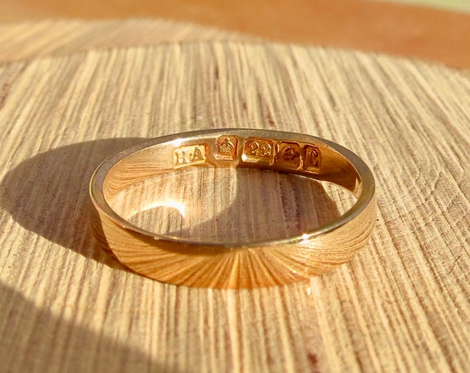 Gold wedding ring, 22k Art Deco yellow gold vintage ring made in 1927