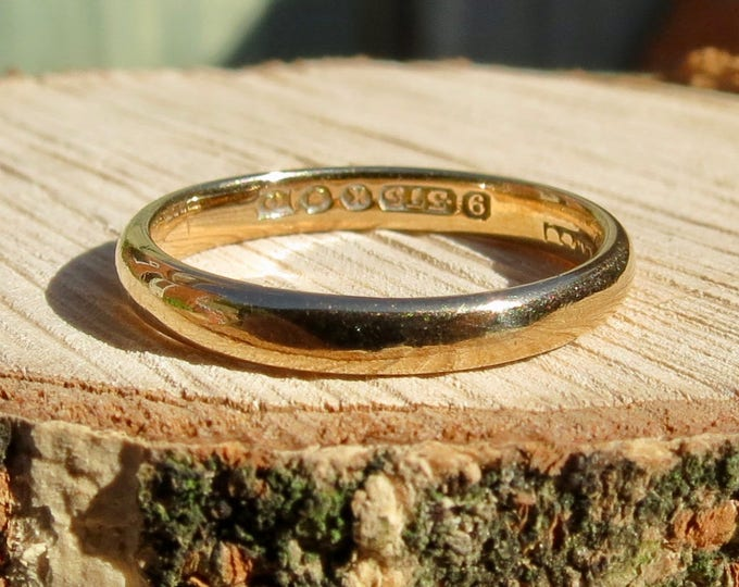 Gold wedding ring, vintage 9K yellow gold.