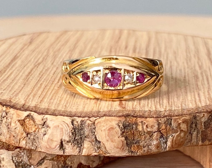 Gold ruby ring. Antique 18K yellow gold ruby and diamond ring,  Made in the year 1905, Victorian.