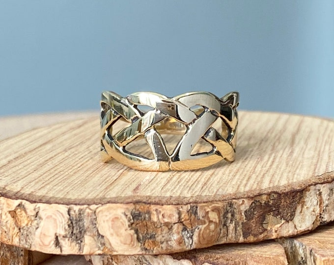 Gold ring Celtic design, 9K yellow gold.