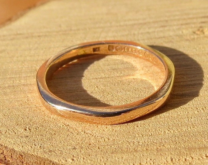 Antique 9K rose gold heptagonal (7 sided) band. Hallmarked the year 1866