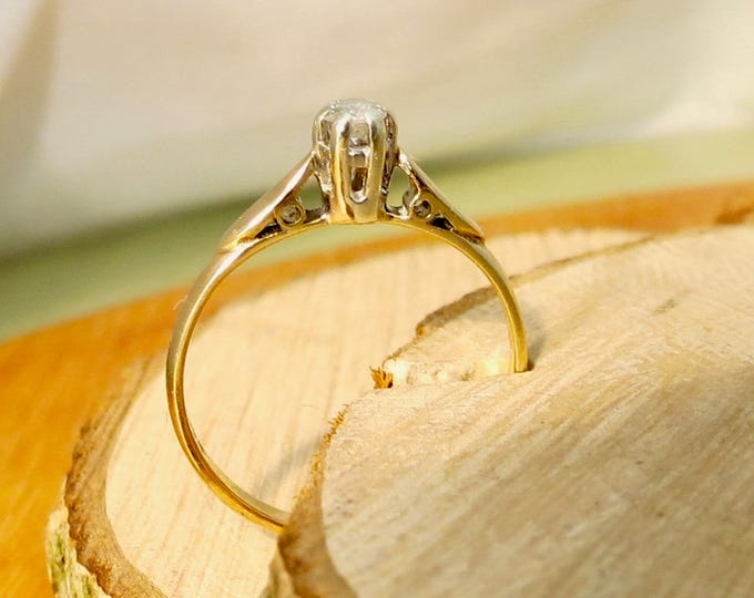 Gold diamond ring, a 1/10 Carat diamond solitaire 9k yellow gold ring.