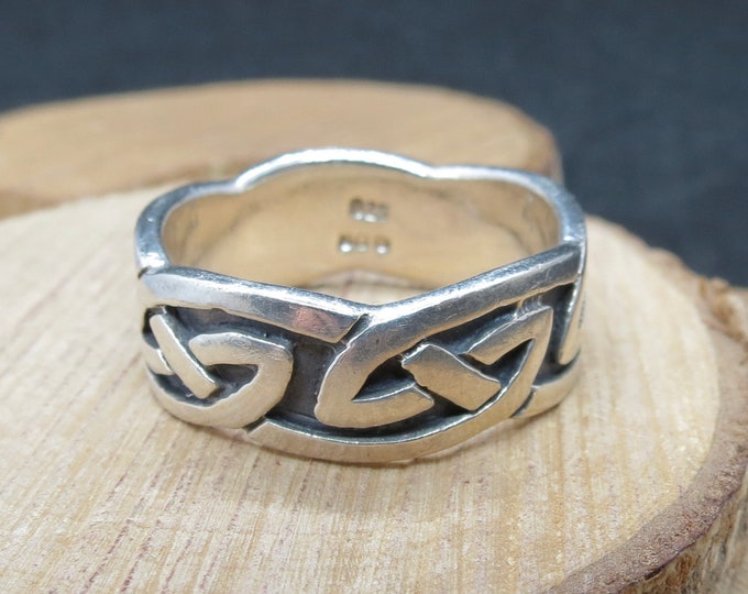 Silver ring, Big size heavy wide band with decorative Celtic design.