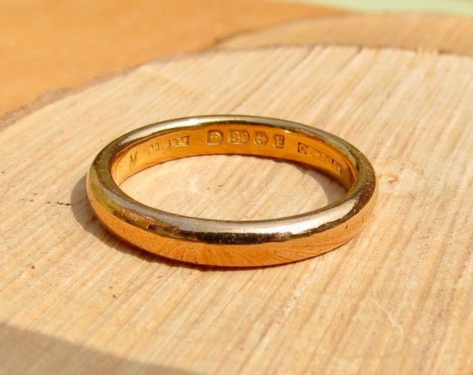 Art Deco 22k yellow gold court band made in 1929