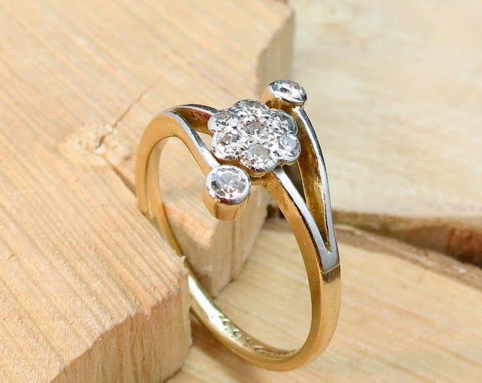Gold diamond ring. Art Deco 18k yellow gold platinum & diamond ring