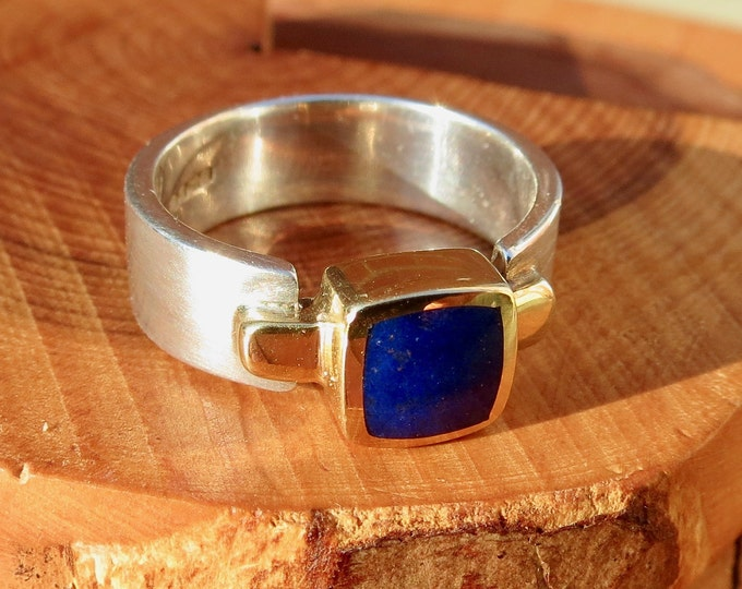 Yellow gold and sterling silver lapis lazuli ring