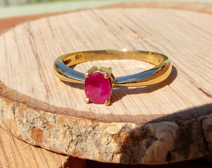 18K yellow gold natural 1/2 carat pinky red ruby ring