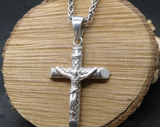 Silver crucifix, chain. A long heavy chain, with beautiful crafted crucifix.