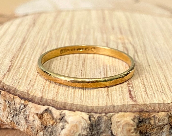 22K Gold ring, vintage narrow band, made in 1954