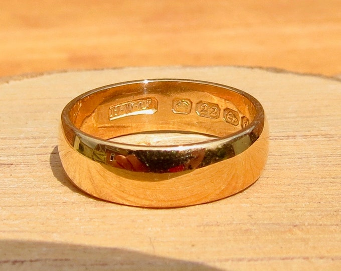Antique 22K yellow wide gold band made in 1903. (free resizing)
