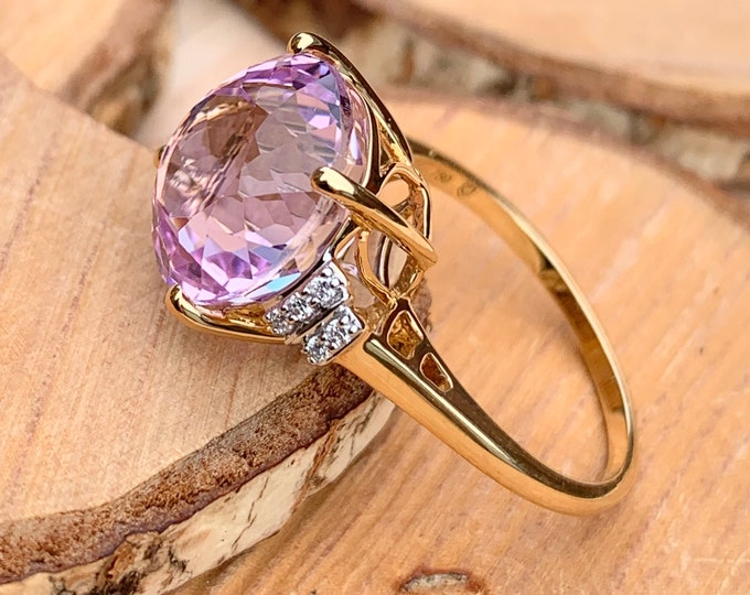 Gold morganite diamond ring, a huge 5.75 carat round faceted morganite in an 18K gold ring