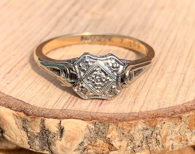 Platinum diamond ring. Vintage Art Deco 9k yellow gold platinum & diamond ring