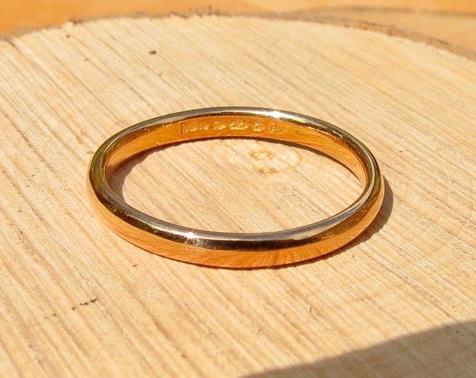 22k yellow gold court band