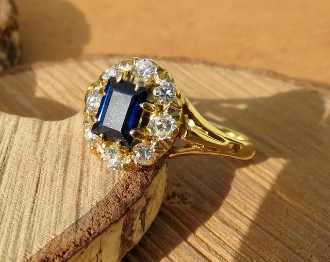 Vintage 18K yellow gold sapphire and diamond ring.