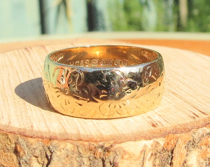 Gold wedding ring, vintage forget-me-not flower engraved 1970, 9K yellow gold.