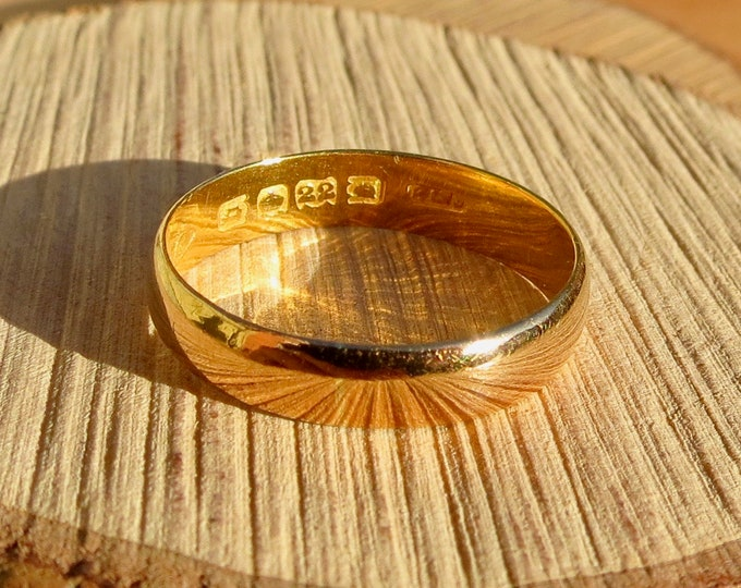 Antique 22K yellow gold band made in 1917