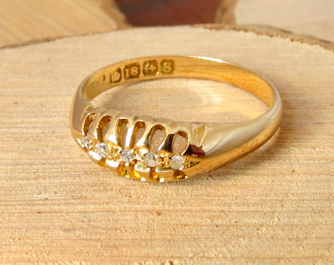 Vintage 18k yellow gold 1/20 Carat diamond graduated old mine cut five stone ring made in 1942