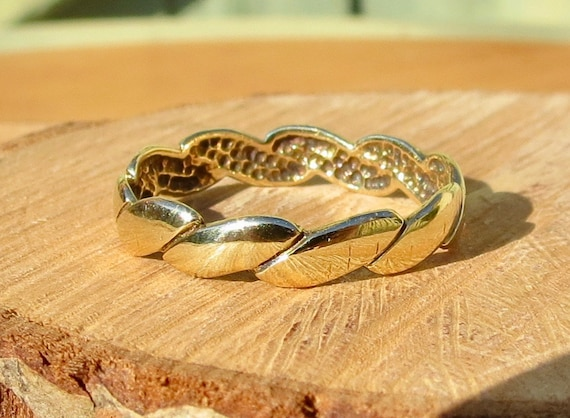 9K yellow gold band