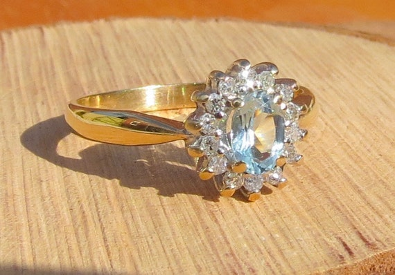 Vintage 9k yellow gold 1/2 carat aquamarine and diamond ring