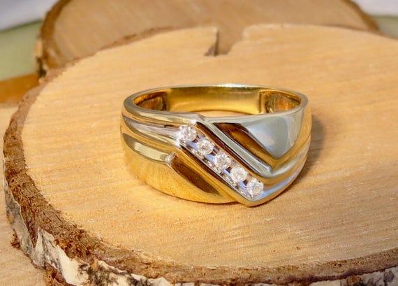 Vintage 10K yellow gold & diamond geometric style ring