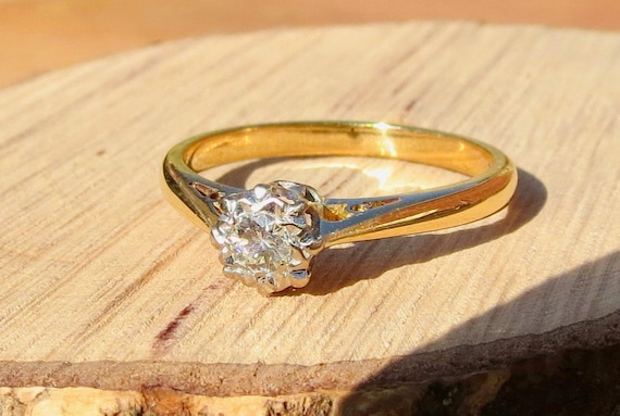 18k yellow gold vintage diamond solitaire ring
