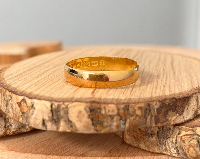 22K Gold ring, Antique wide 'cigar band', Victorian 1900, well over 100 years old.