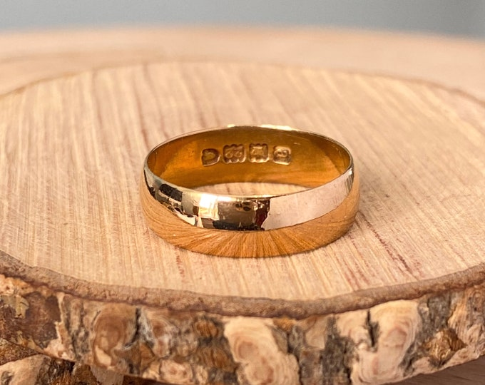22K Gold ring, Antique wide band, Victorian 1896, over 120 years old.