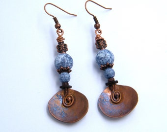 Rustic earrings - oxidized copper - hammered
