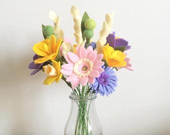 PDF tutorial: DIY felt flowers - Cottage Garden Bouquet (no sew!)