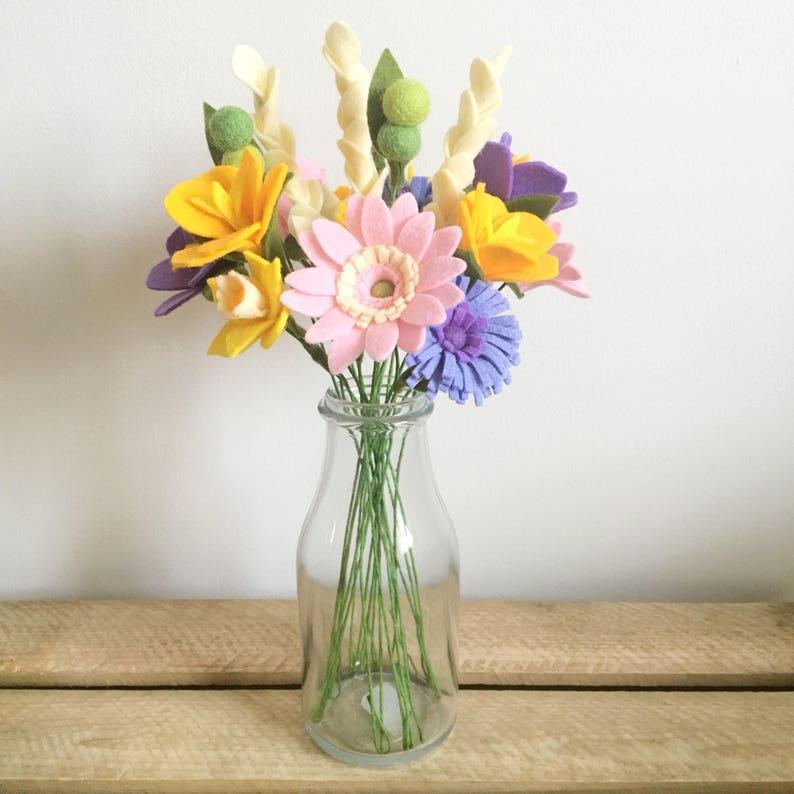 Felt flower pattern/tutorial PDF download: DIY felt flowers image 0