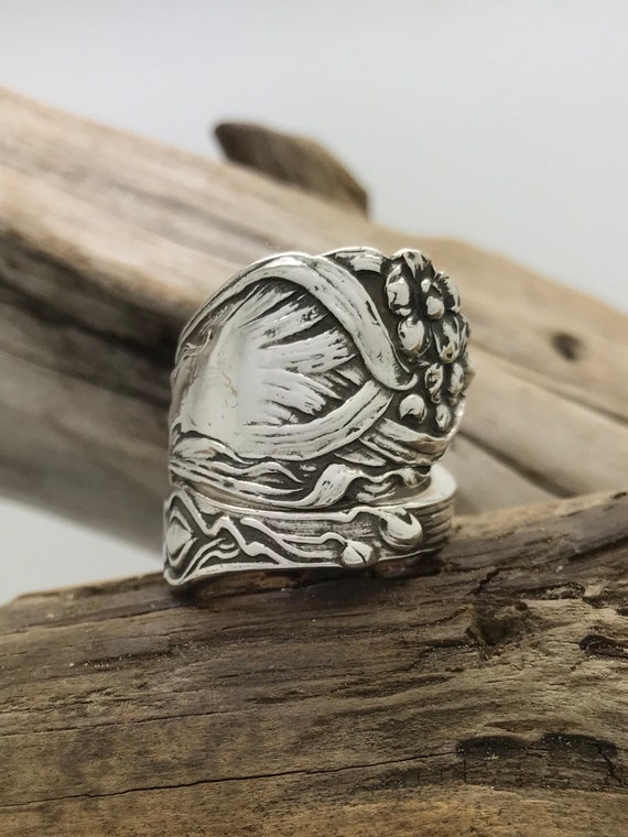 Size 8 Vintage Sterling Silver Spoon Ring, Daffodil