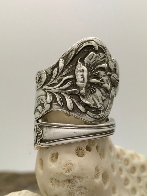 Size 7.5 Vintage Sterling Silver Spoon Ring, Poppy