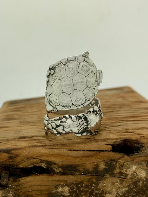 Size 8.5 Vintage Sterling Silver Turtle Spoon Ring