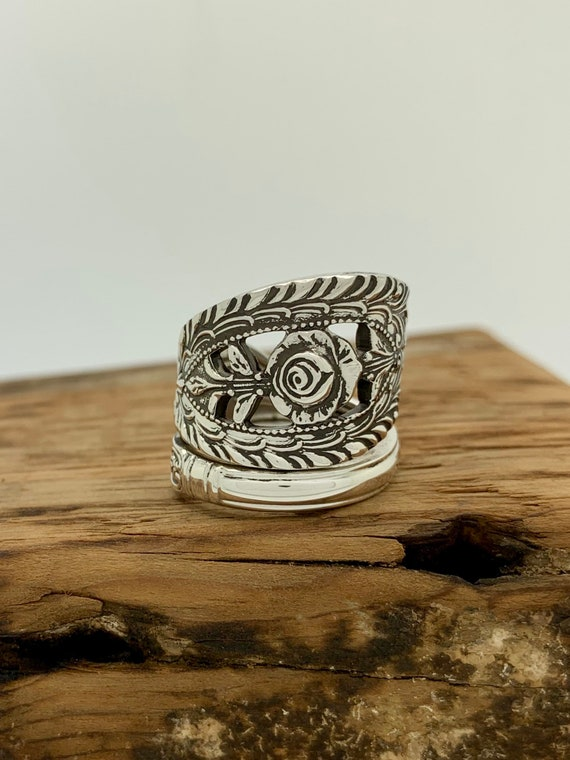 Size 8.5 Vintage Floral Sterling Silver Spoon Ring