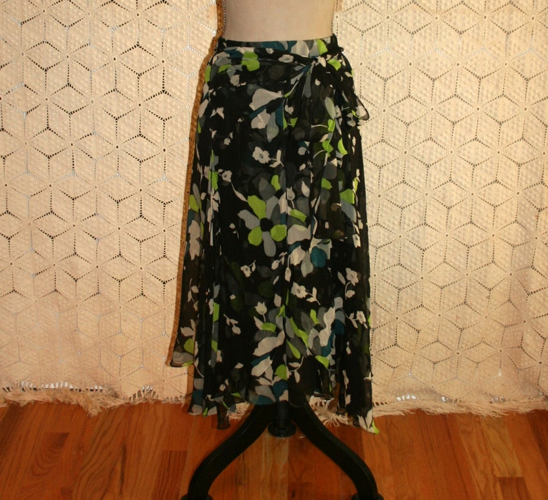 c680767509d6 80s Vintage Silk Chiffon Skirt Size 4 Green & Black Floral | Etsy