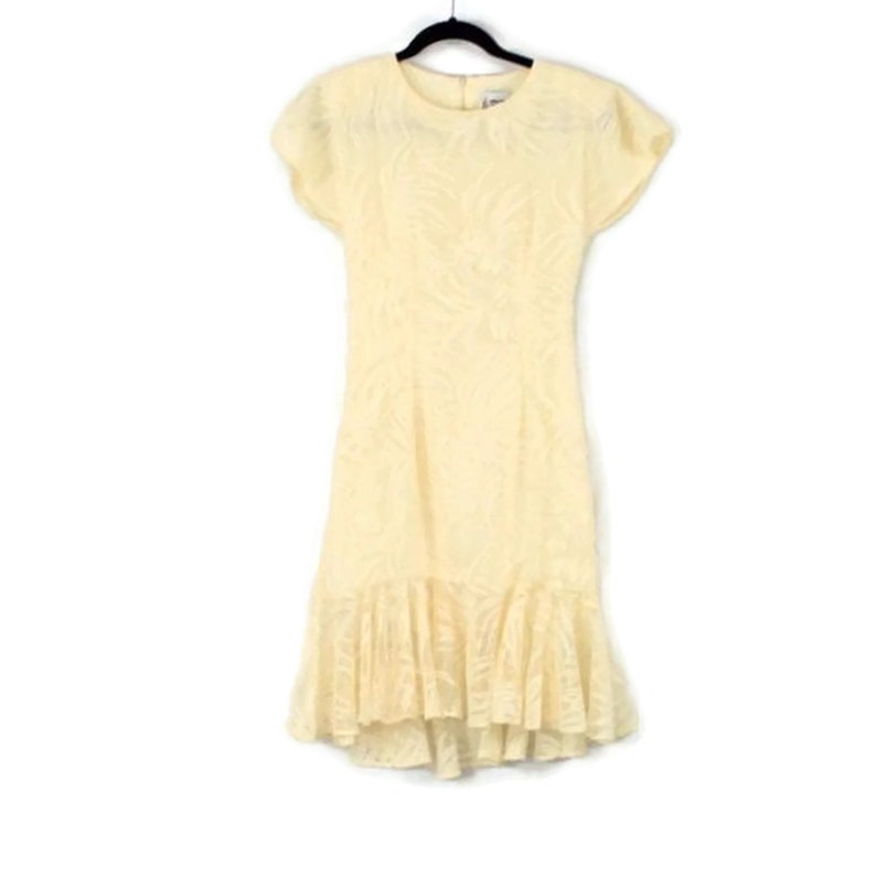 0b4249c8e3 80s Cream Lace Dress Women XS Fitted Short Sleeve Dolman