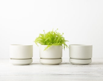 ONE White Vintage Arabia Finland Planter with Tray by Richard Lindh- Mid Century Flower Pot with Drainage Hole - MCM Ceramics Plant Pot