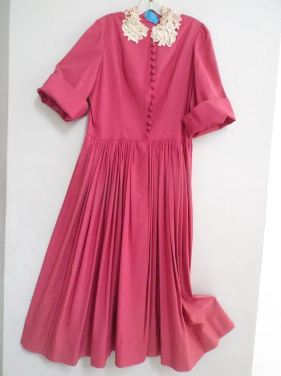 Iconic 40s-50s Flobért Hostess Dress: Flattering F